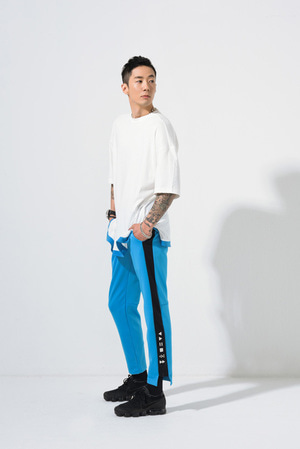 SIDE HEM LINE POINT TRACK PANTS